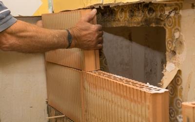 Impermeabilizante: Descubra como acabar com a umidade no rodapé da parede